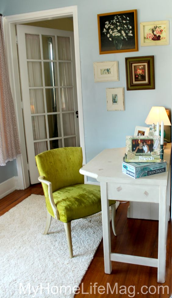 Shabby Chic Home Design. Vintage Green Chair. Vintage Chair. Vintage furniture. Frame collage. Old books.