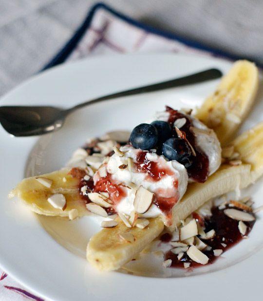 breakfast banana split: Breakfast Ideas, Yummy Breakfast, Healthy Breakfasts, Food Drink, Breakfast Recipes