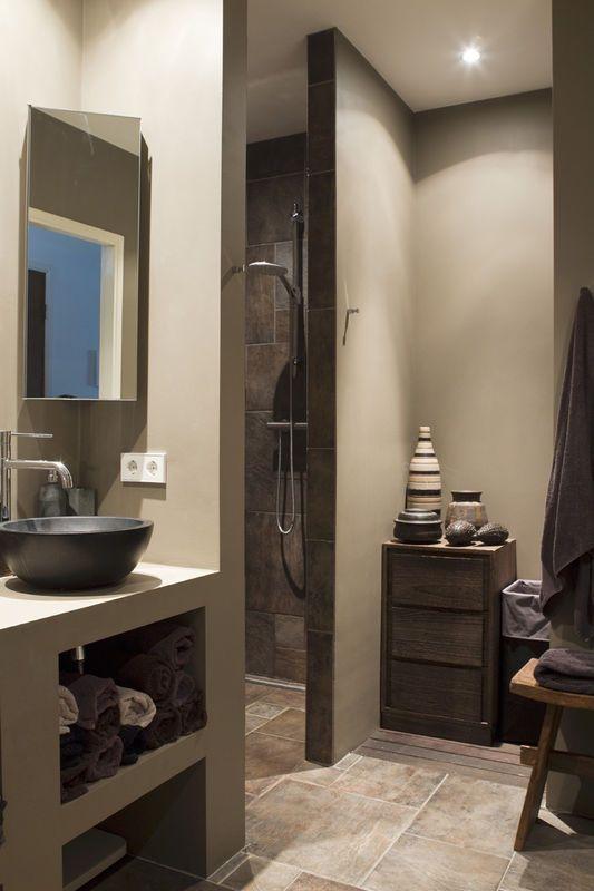 Lazienka W Klimacie Etno Lazienka Styl Nowoczesny Aranzacja I Wystroj Wnetrz Bathroom Mirror Lighted Bathroom Mirror Design