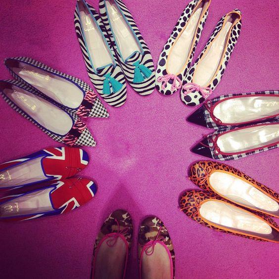 Uma seleção das nossas NADA BÁSICAS sapatilhas e loafers  Pra quem quer conforto sem deixar de lado o estilo!  #prettyballerinas #prettyballerinasbrasil #prettyloafers #basicas #diferentes #flatlovers #shoelovers #comfort #shoeselfie #handmadeshoes #menorca #espana #spain