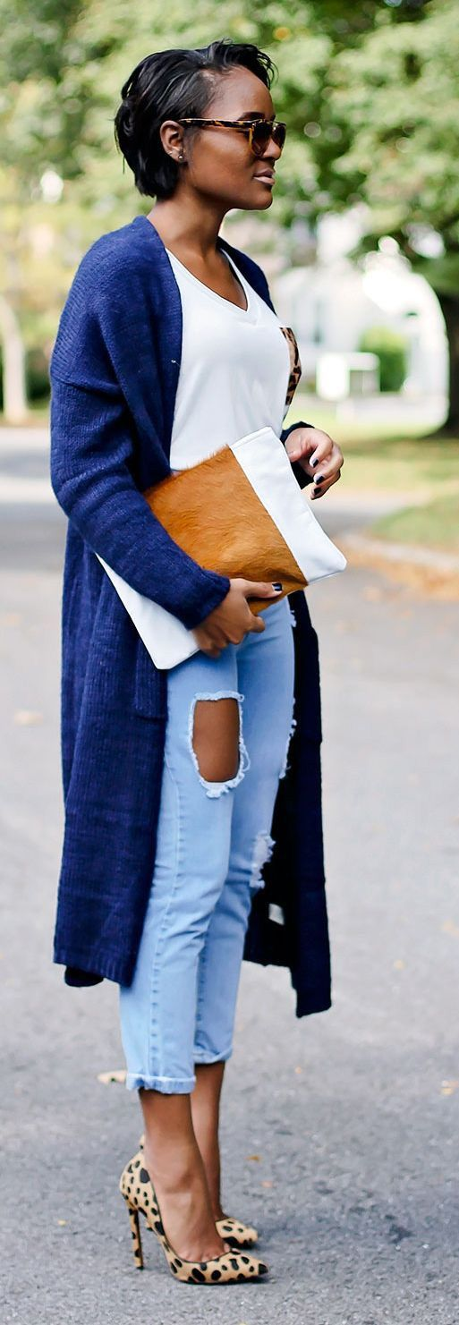 How to Wear a Long Cardigan: Love the colors and lines in this outfit: