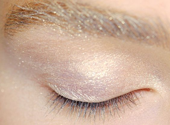 xangeoudemonx:  Makeup at MaxMara Spring 2014.