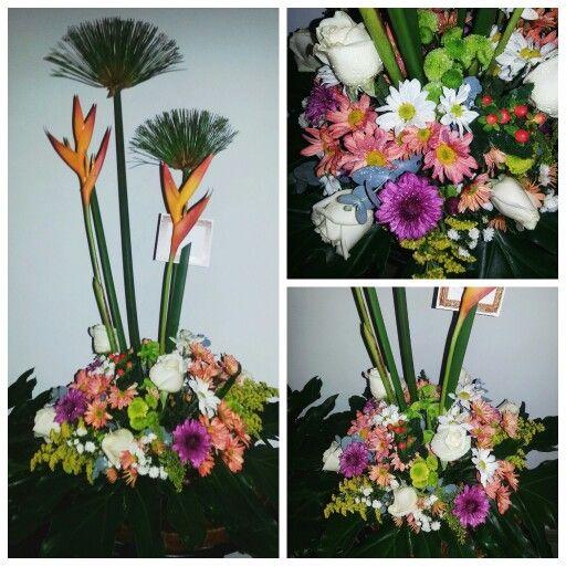 Centro de mesa con flores silvestres centro de mesas pinterest mesas - Centro de mesa con flores ...