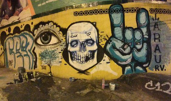 Rua. #rapviu #graffiti #skull