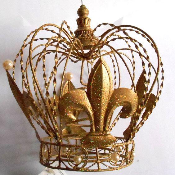 Metal gold glitter fleur de lis crown christmas tree for Christmas crown decoration