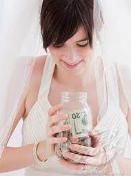 Con il nuovo anno, la data delle #nozze   si avvicina ed è tempo di controllare #costi   e #programma    Consigliamo agli #sposi   che organizzano da soli le proprie nozze di stare sempre attenti al timing e a non sforare il budget! Non fatevi prendere dall'ansia!