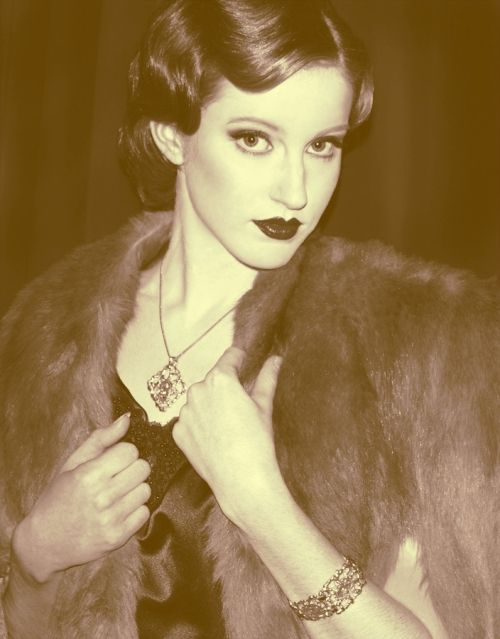 Flapper/1920's makeup & hair - Kristy Bassett