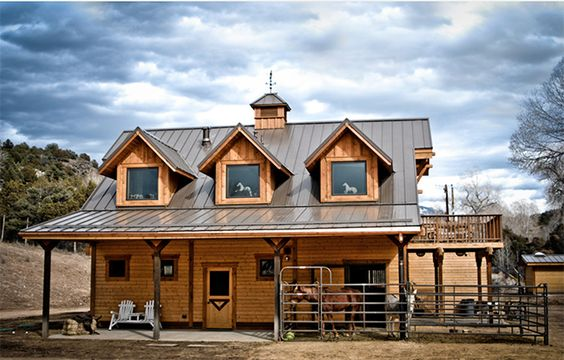 Stable style an apartment barn in taos stables decks Barns with apartments above