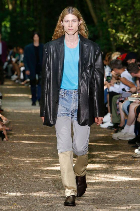 レザーのテーラードジャケット
