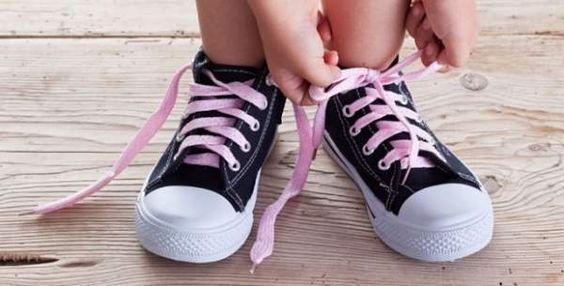 niños atar cordones_opt