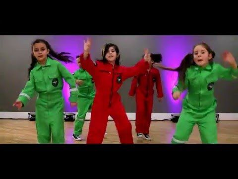 Jingle Bells Remix By Future Kids Dance Vision Youtube Kids Dance Future Kids Remix