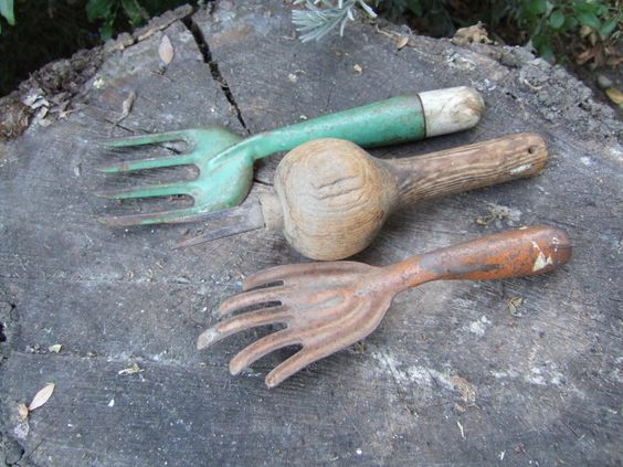 Vintage garden tools google search tools pinterest for Gardening tools vintage