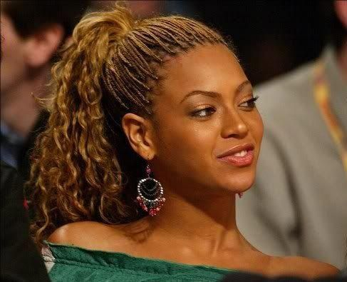 Beautiful Beyonce rocking box braids buns. Best box braid hairstyles. Tips for box braid. Crazy box braid hairstyles. Popular Beyonce rocking box braids. #bestbraidshairstyles