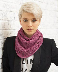 Free knit cowl pattern.  This gorgeous Lavender Ice Cowl is perfect for winter. Make one today!