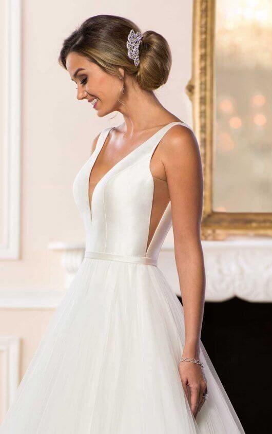 Simple Wedding Dress With V Neckline Debutante Dresses Stella York Wedding Dress Ball Gowns Wedding