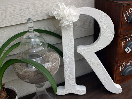 Simple and Cheap Homemade Shabby Chic Decor | Shabby Chic Doily Letter by DIY Ready at http://diyready.com/diy-shabby-chic-decor/: