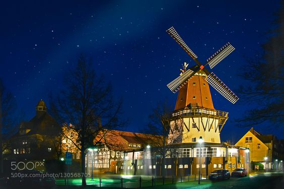 Töpfersmühle Peine.jpg - Pinned by Mak Khalaf Töpfersmühle Schmedenstedthaus und Lyzeum in Peine City and Architecture PeineSternenhimmelarchitecturebeleuchtungbluebuildingcitygermanyhistorichistoricallichtlightlightslong exposuremalerischmillmühlenachtnachtaufnahmenightoldskytraveltreesurbanTöpfersmühleschmedenstedthausTöpfers by huber-creativ-photo