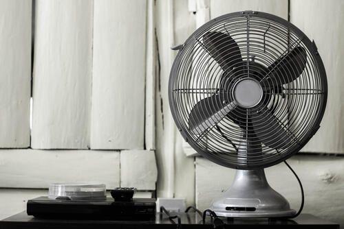 180度回転l字変換プラグ パナソニックローリングタップ がコンセントコードの曲がりをなくせるのでおすすめ レビュー サーキュレーター 扇風機 無印良品 扇風機