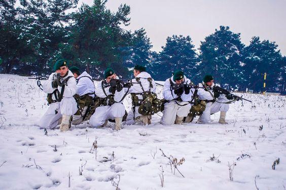 ΘΕΤΙΚΗ ΕΝΕΡΓΕΙΑ: Έλληνες κομάντο εκπαιδεύονται στο χιόνι!(ΦΩΤΟ)