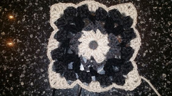 Help me name this square! | Crochet Chiq