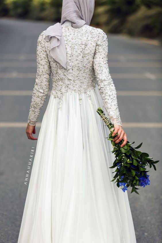 Annah Hariri Wedding Dress Of Delphiniums Gowns And Anna On Pinterest