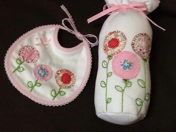 Babet e porta biberão com aplicações em tecido