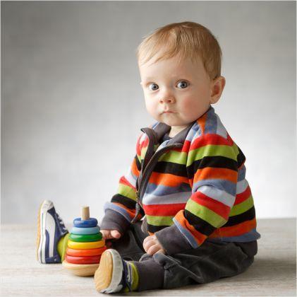 Kinderfotografie om bij weg te dromen - Jules 10 maanden #kinderfoto #10maand #kleur #fotograafpatrick #kinderfotografie