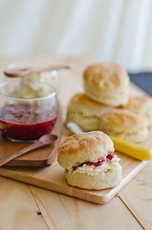 Aussie Scones with Srawberry Jam & Cream