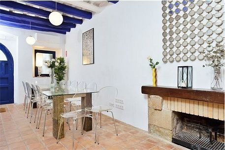 Carreta Beach, a 6 bed house for rent in Sitges Spain.