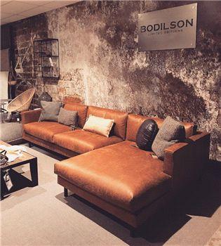 Mua sofa da tphcm đẳng cấp cho phòng khách sang chảnh