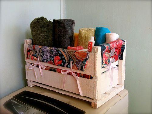 Simple ideas and photos on pinterest for Accesorios para poner toallas en el bano