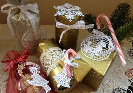 Geschenke verpacken mit Spitze