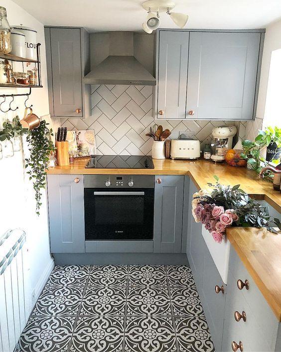 NICE TILE FOR SMALL KITCHEN | Kitchen Flooring, Retro Kitchen Decor, Kitchen Design Small