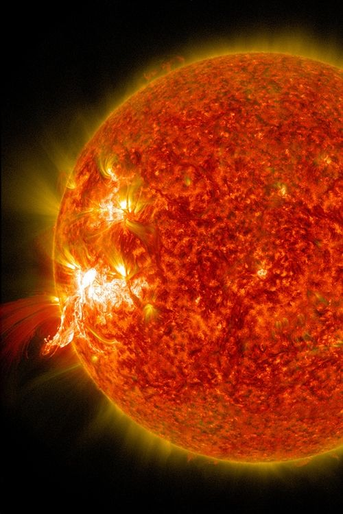 h4ilstorm:  NASA's SDO Sees a Solar Flare (by NASA Goddard Photo and Video)