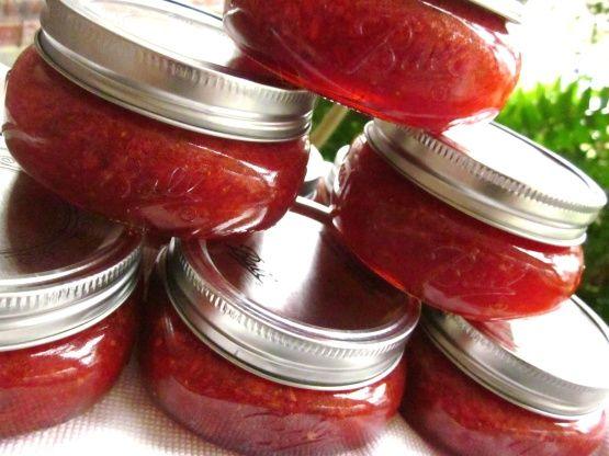 Strawberry Jalapeno Jam Recipe - Food.com: Food.com...just like strawberry on pectin pkt, but 1c. jalapeños subbed for 1c strawberries