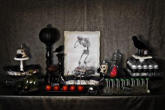 13 Spooktacular Decorating Tips For Halloween