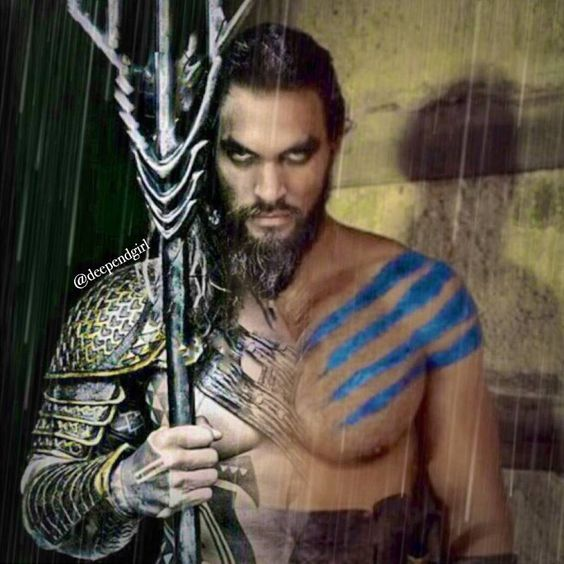This is an AWESOME Aquaman and Khal Drogo mash up. Big thumbs up to the amazing artist that did this. Whoever you are.
