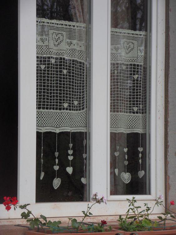rideau crochet fait constellation de coeurs en beige crochet constellations and textiles