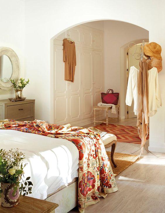 Encuentra el armario ideal para tu dormitorio elmueble - Camas estilo romantico ...
