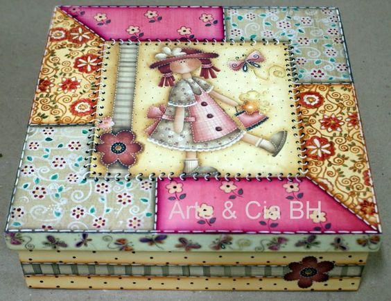 Arte cia bh caixa com decoupage e carimbos madera y for Pintura para decoupage