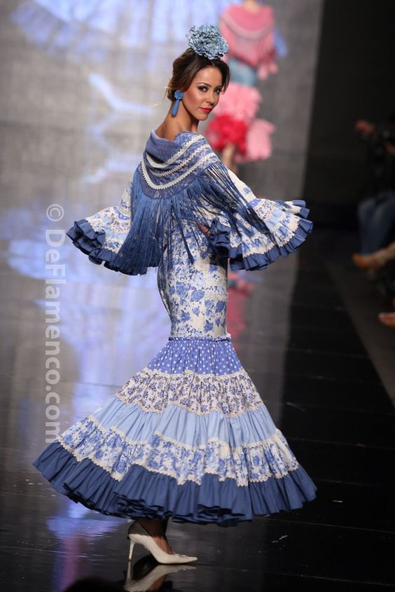 Fotografías Moda Flamenca - Simof 2014 - Mari Carmen Cruz 'Y... Sevilla' Simof 2014 - Foto 02: