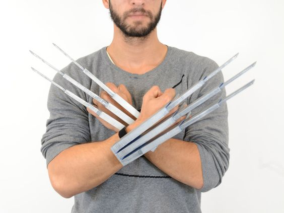 Single print telescopic Wolverine claws with great sound effect. Perfect for Cosplay and Halloween! A lot of people enjoyed our fully customizable lightsaber last year, this one is for the X-Men geek in you. An other clever design by Samuel N. Bernier. see it in action here : https://youtu.be/jmRWJGxAqlk
