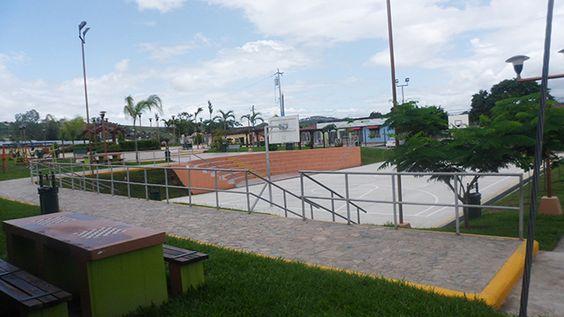 Plaza San Pedro, bonito centro de diversión en Siguatepeque propio para compartir con la familia y amigos.