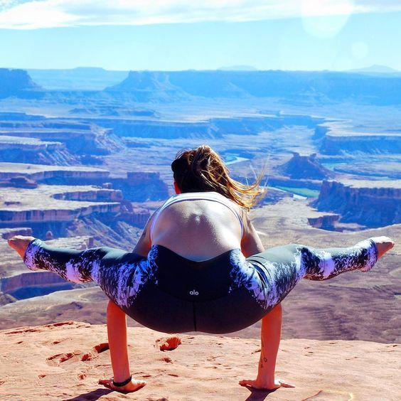 The Alo Yoga High -Waist Airbrush Legging #yoga #yogainspiration