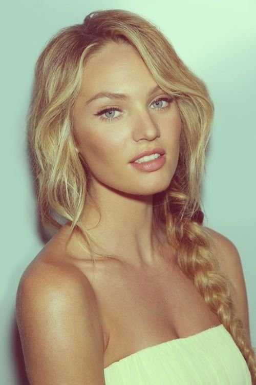 I love Candice swanepoel's hairstyle.: