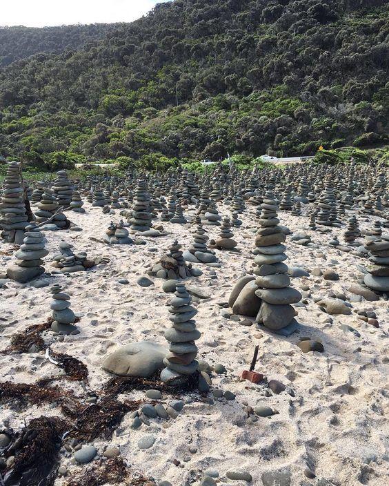 #steinestapeln#stein#ichundmeinstein#dersteinderweisen#greatoceanroad#3umgeworfen#3aufgebaut#australia by juli_caeser
