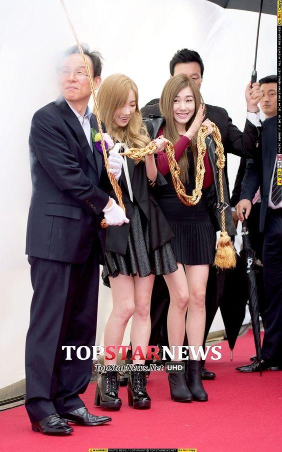 태연(김태연) - [HD포토] 소녀시대 태티서 태연-티파니, '꺅~ 뭐가 막 터져~' (아이폰6론칭) - HD Photo News - TopStarNews.Net