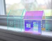 Set of 2 acrylic houses in different sizes and colors