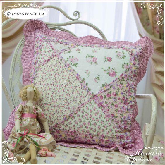 Подушка большая диванная Пэчворк 54х54см розовая 9949018