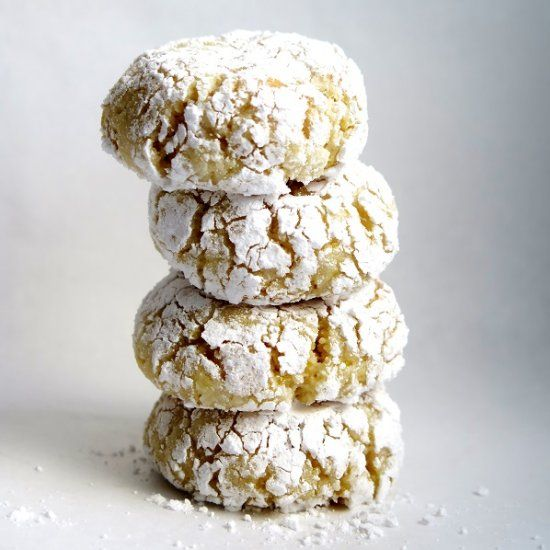 amaretti cookies cookies macarons and more amaretti cookies cookies ...